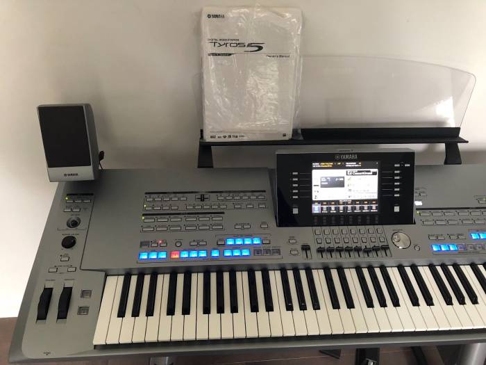 New Musical Instruments Keyboards